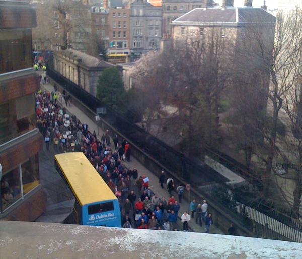 Gardai protest on Nassau St